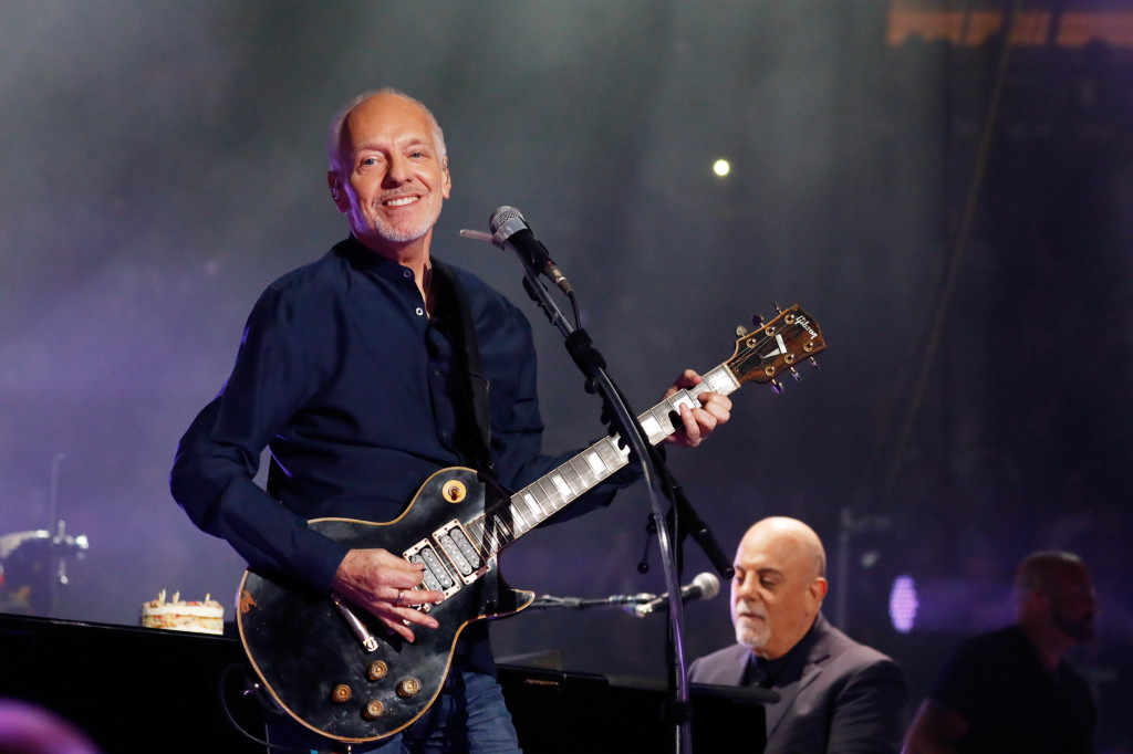 NEW YORK, NY - MAY 09: Peter Frampton joins Billy Joel on