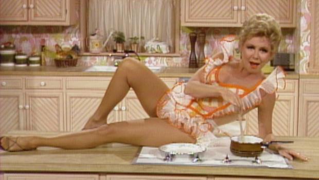 mitzi-a-tribute-to-the-american-housewife-1974-cbs-620.jpg