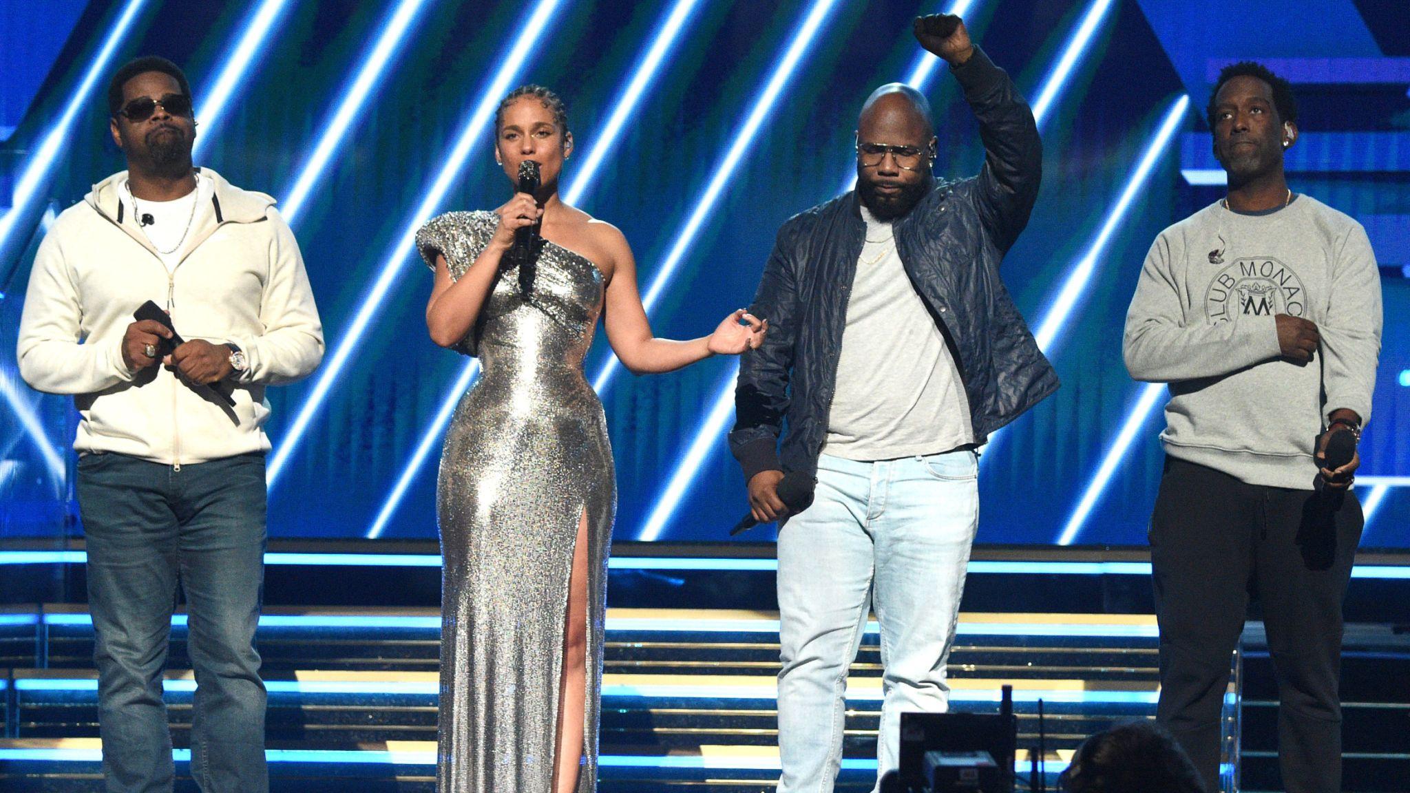 Grammys host Alicia Keys and Boyz II Men pay tribute to basketball star Kobe Bryant
