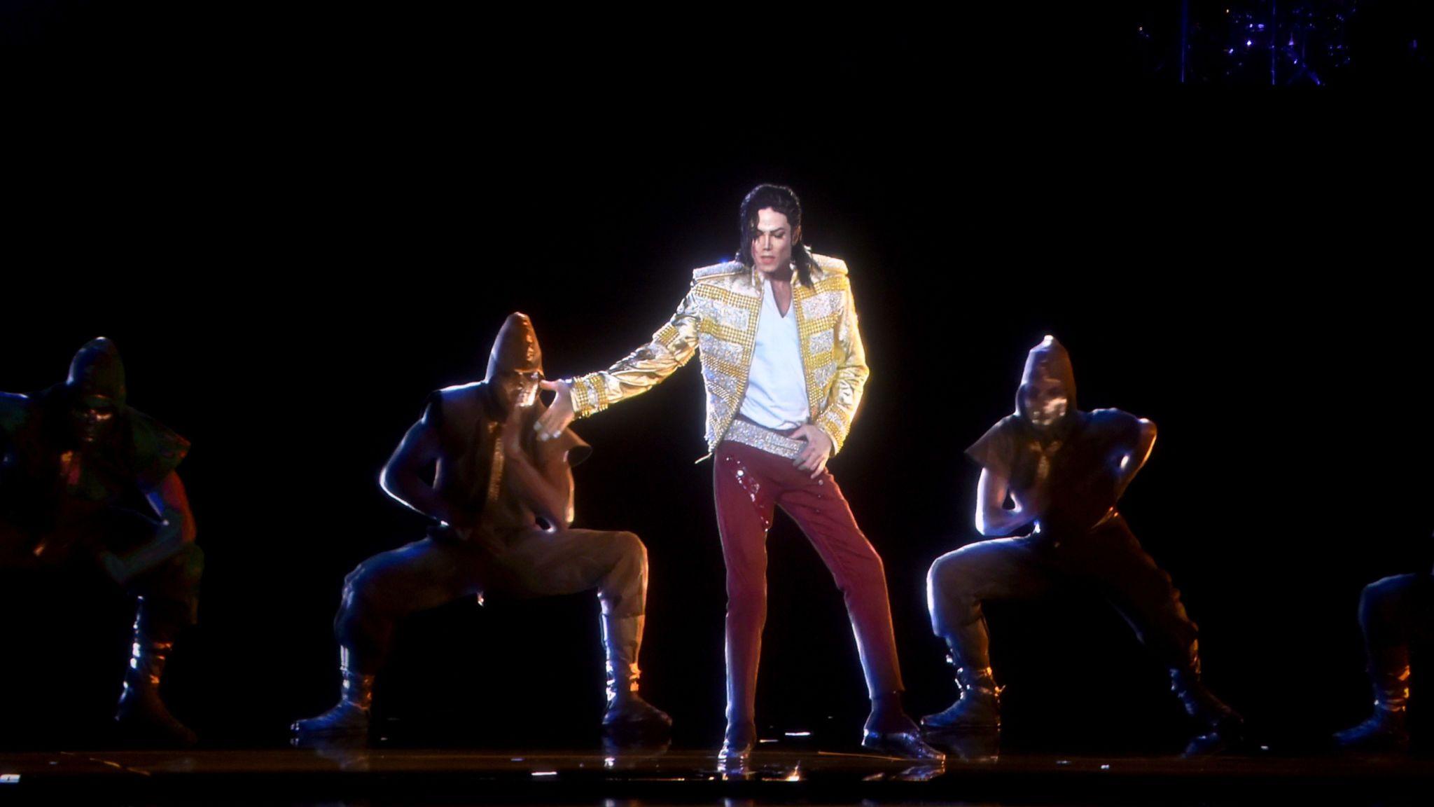 Michael Jackson's hologram performed the moonwalk at the 2014 Billboard Music Awards