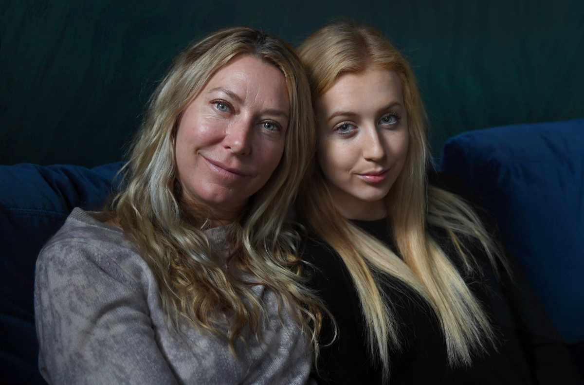 Alison Reynolds and her daughter, Tia, in Washington. MUST CREDIT: Washington Post photo by Michael S. Williamson.