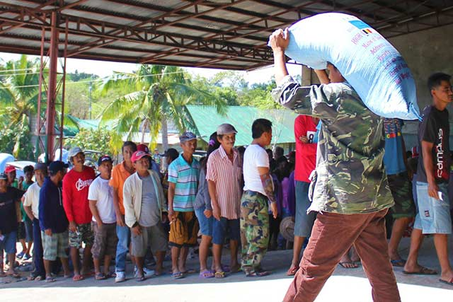 FAO and Belgium respond to livelihood recovery needs of Typhoon Koppu-affected farmers in the Philippines