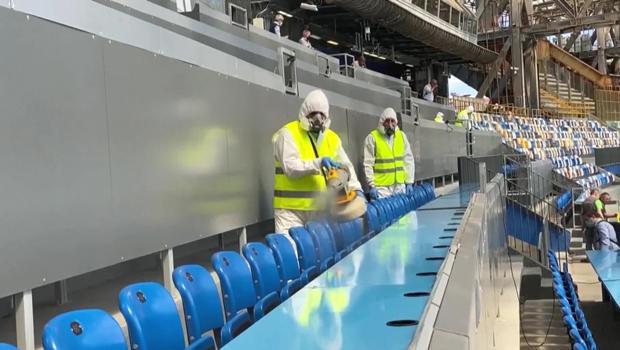 deep-cleaning-arena-seating-620.jpg