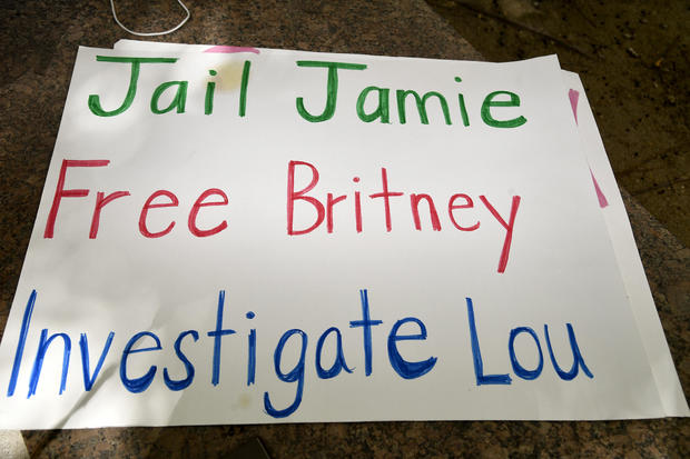 #FreeBritney Protest Outside Courthouse In Los Angeles During Conservatorship Hearing
