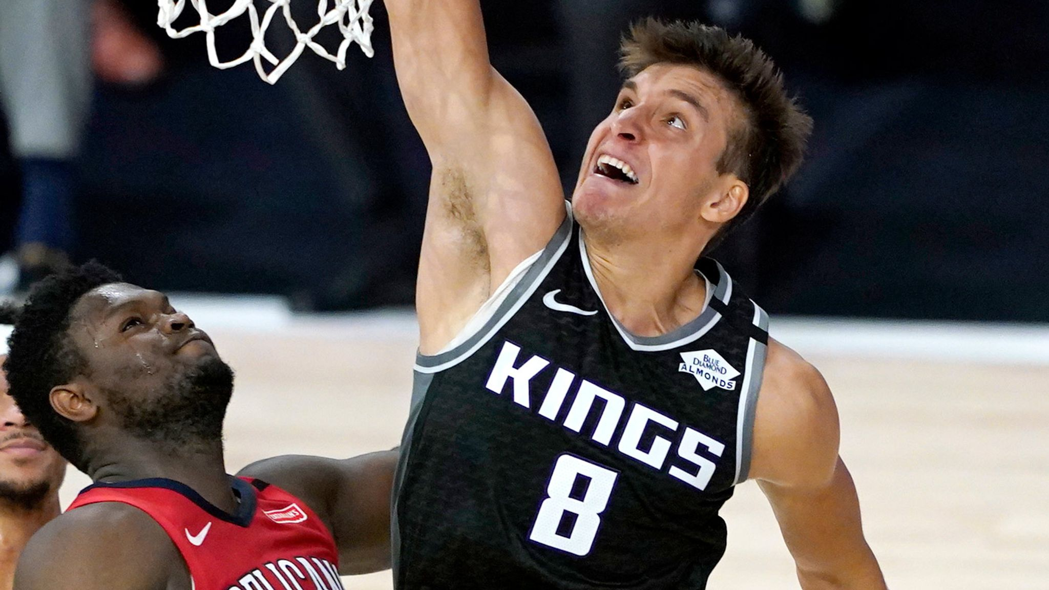 Bogdan Bogdanovic finishes at the rim en route to 35 points for the Kings