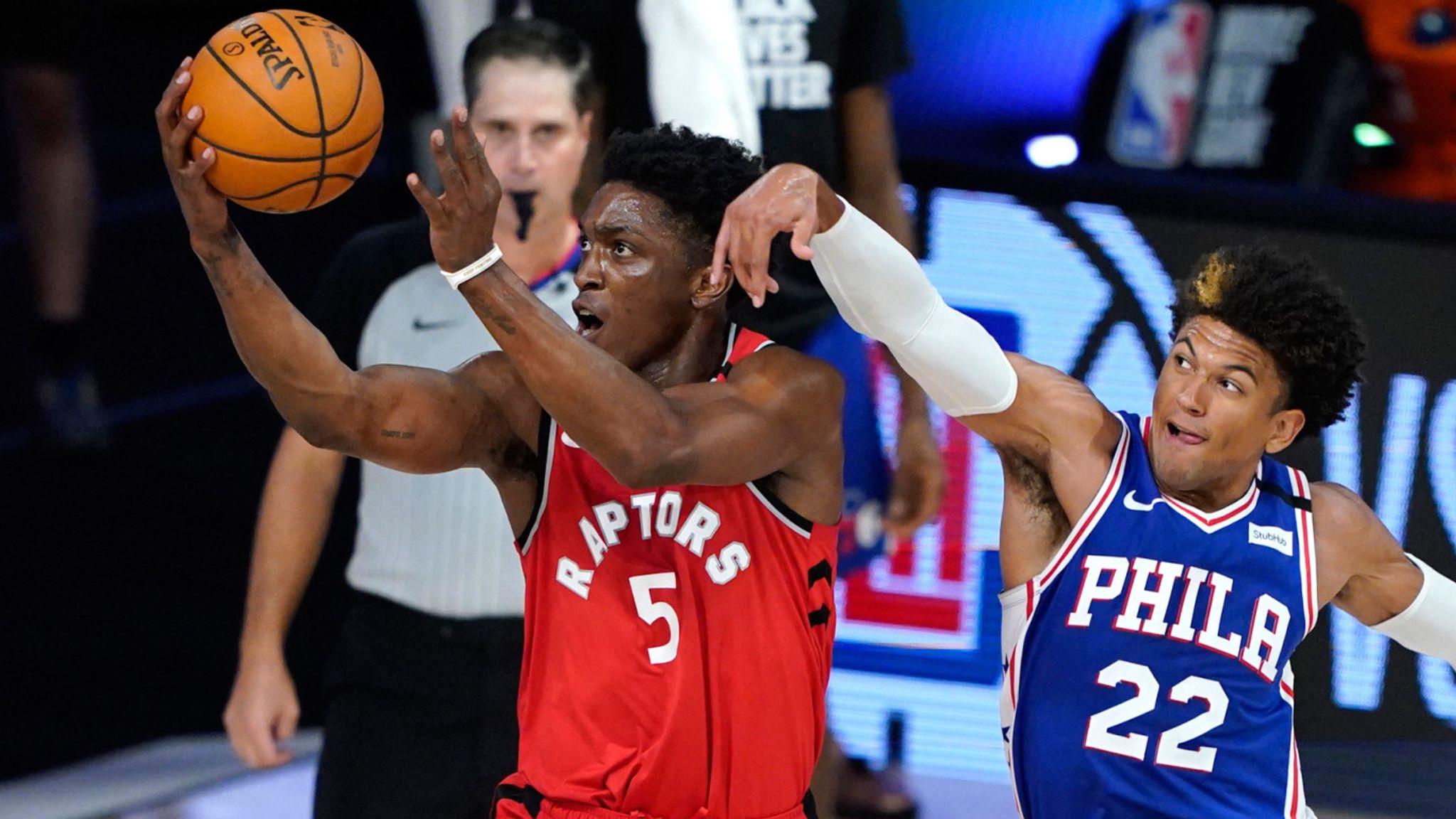 Stanley Johnson scores a vital basket for the Raptors
