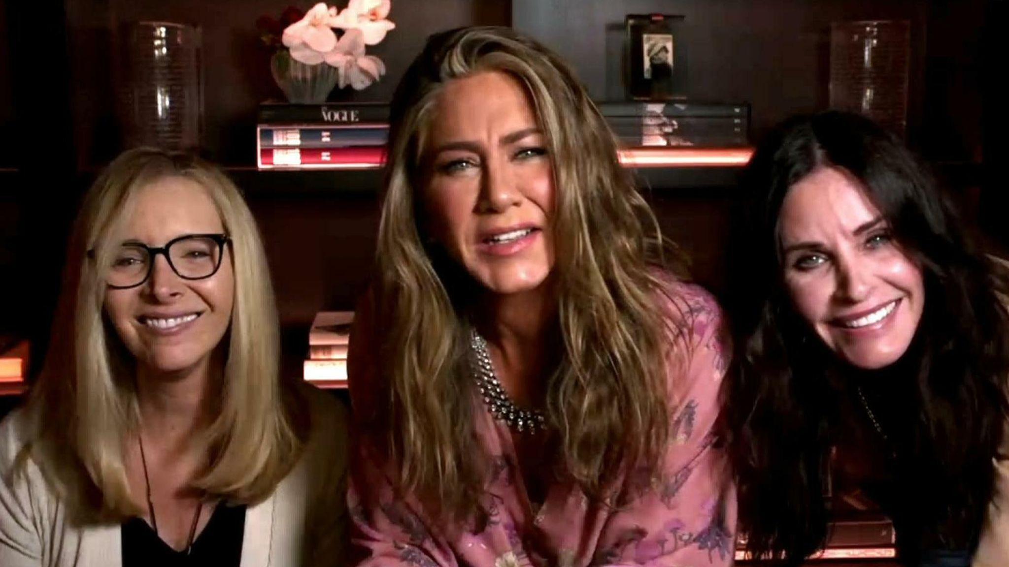Friends reunion at Emmy Awards