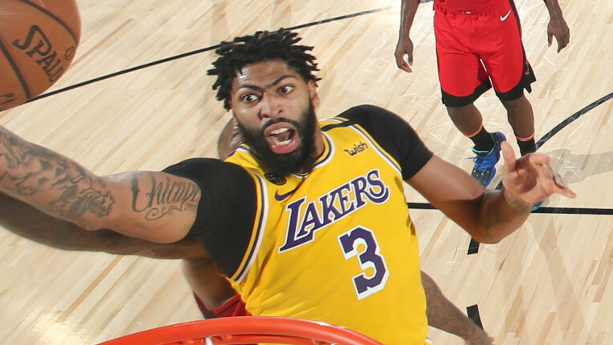 Anthony Davis elevates to the rim in the Lakers' Game 4 win over the Rockets