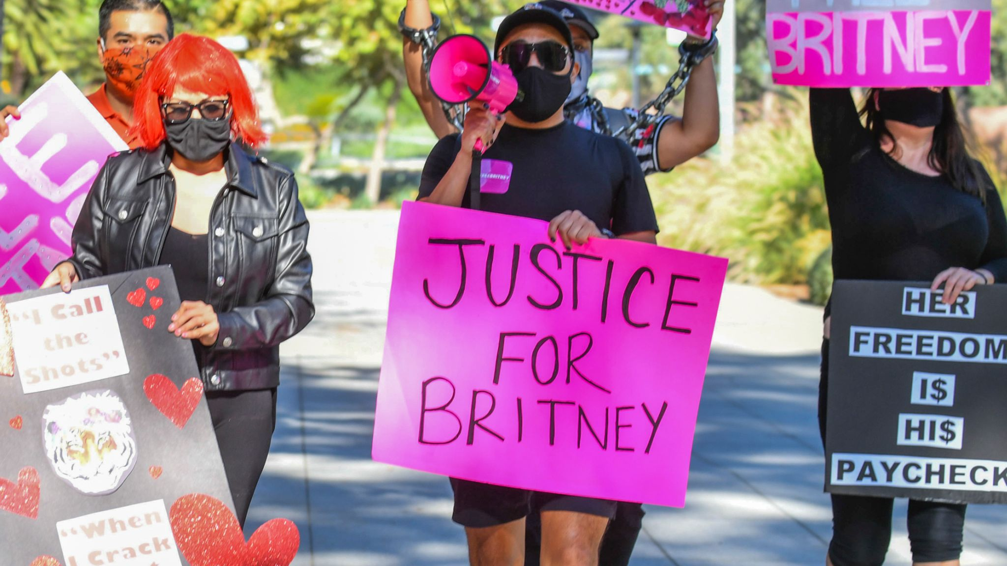 LOS ANGELES, CALIFORNIA - OCTOBER 14: Protesters march at the #FreeBritney protest outside of the courthouse on October 14, 2020 in Los Angeles, California. (Photo by Rodin Eckenroth/Getty Images)