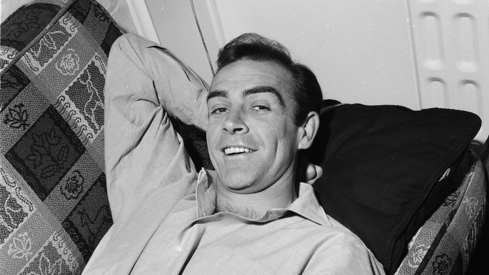 31st August 1962: Scottish actor Sean Connery, the new face of superspy James Bond, relaxes in his basement flat in London's NW8. (Photo by Chris Ware/Keystone Features/Getty Images)