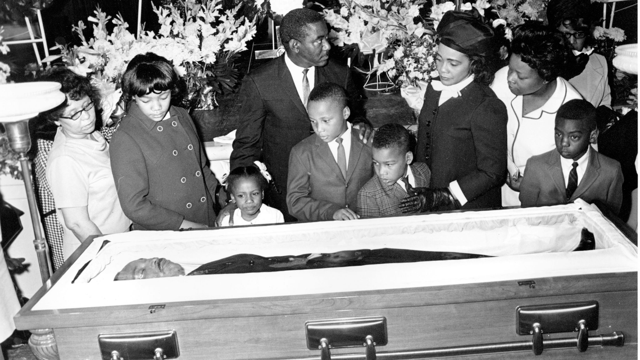 Coretta Scott and her four children view King's body in Atlanta on 7 April 1968