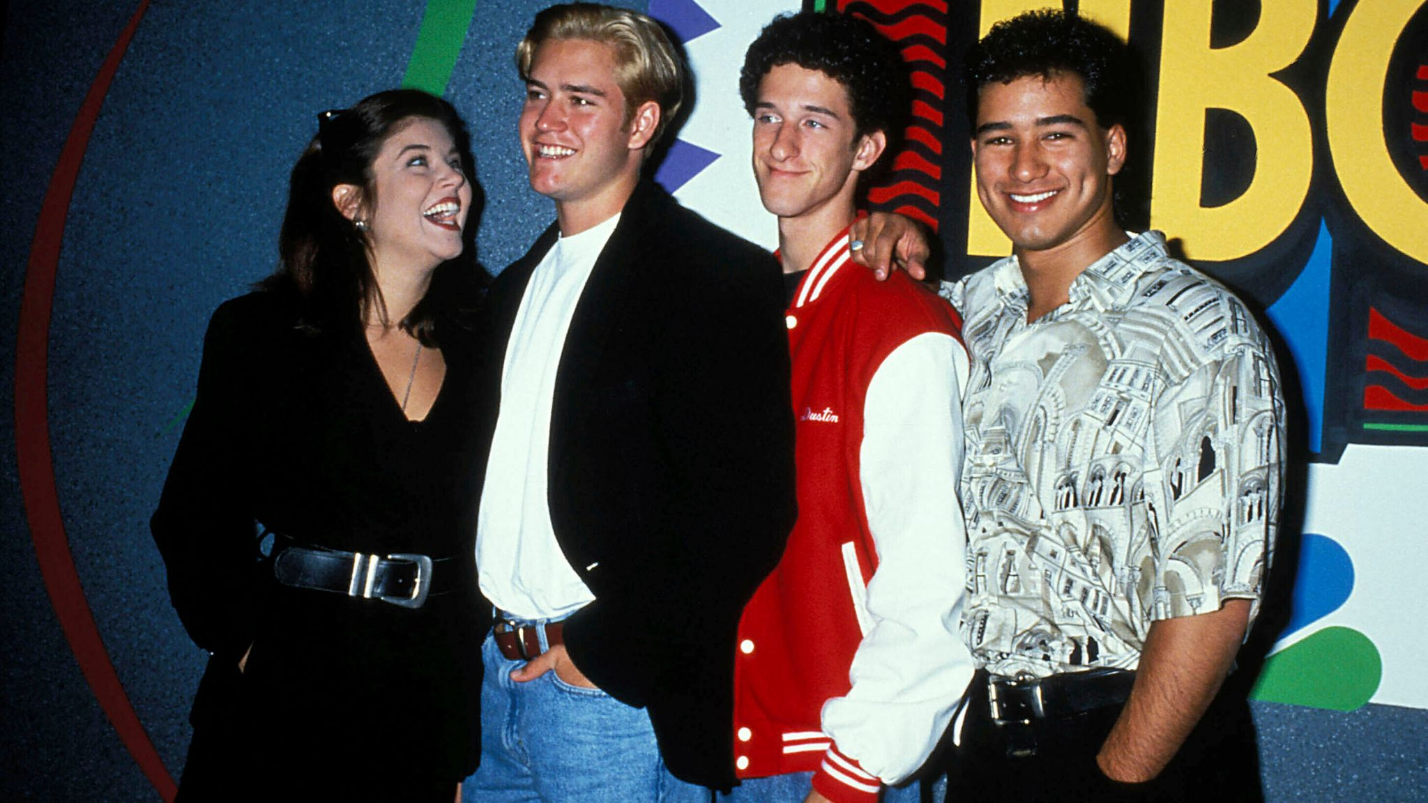 Tiffani Amber Thiessen, Mark Paul Gosselaar, Dustin Diamond And Mario Lopez. 1996 Credit: 3313017Globe Photos/MediaPunch /IPX