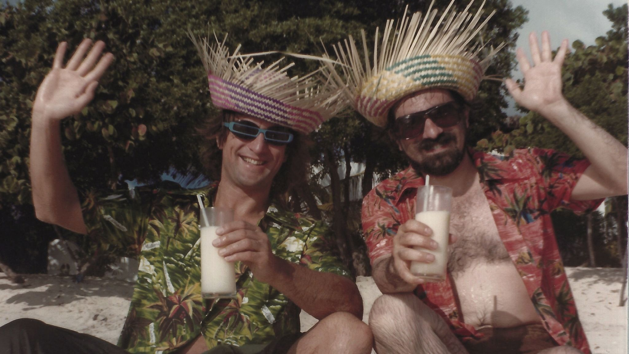 Robert De Niro and Martin Scorsese in the Caribbean. Pic: Gloria Norris courtesy of Coattail Publications