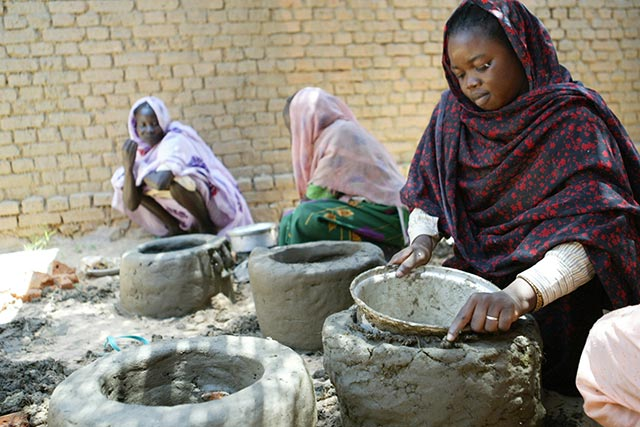 How fuel-efficient stoves improve food security and gender equality in countries affected by crises